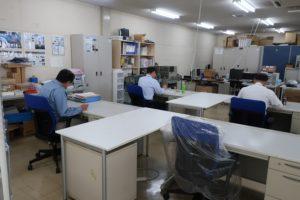 技術業務グループ2